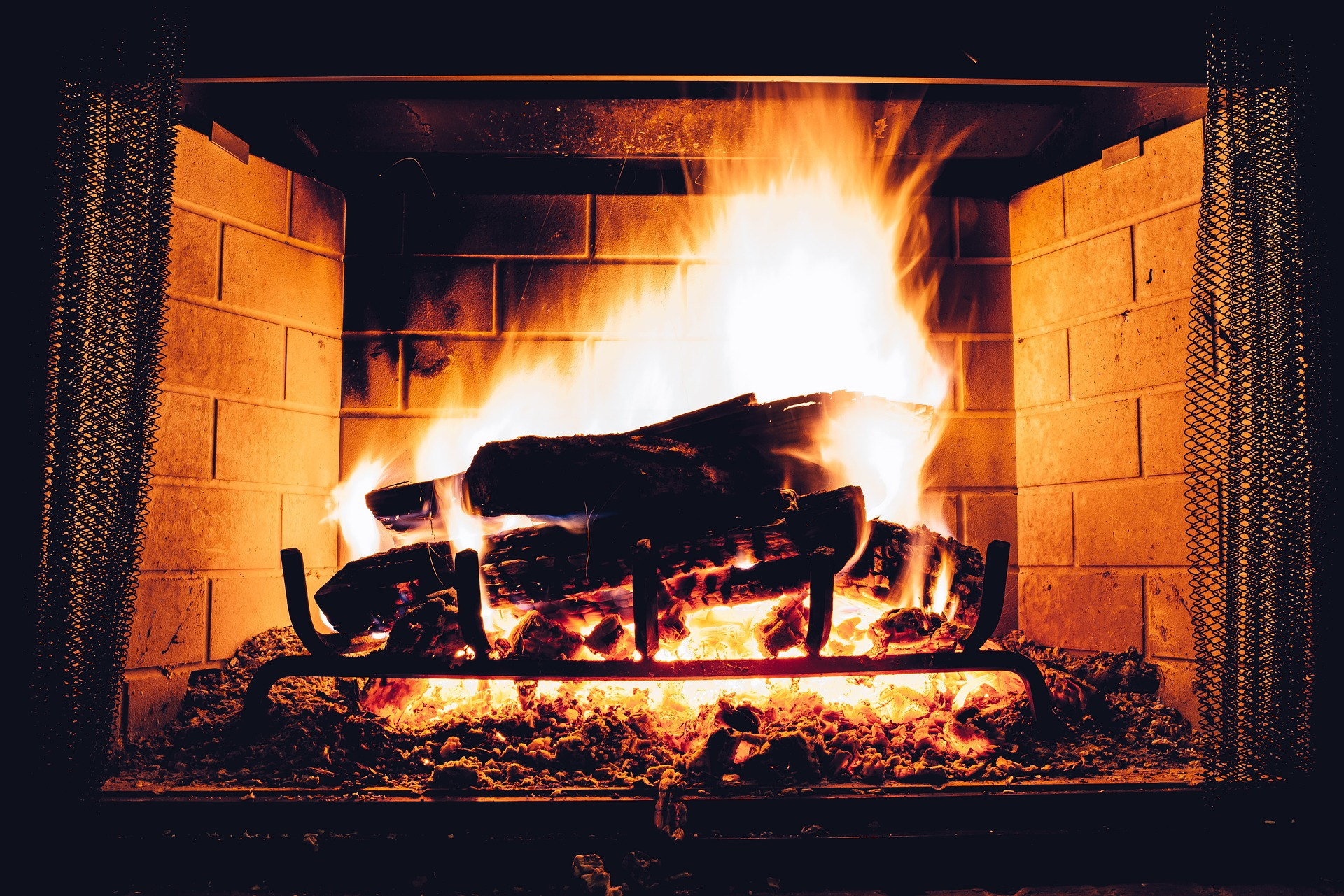 Ways to Prepare Your Fireplace for the Heating Season
